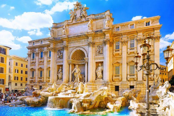 Italy Explore Fontana Trevi